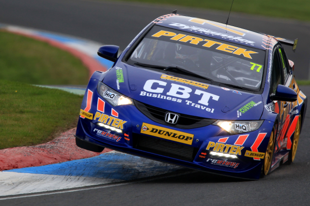 Kerb-hopping is a favourite at Knockhill (Photo: btcc.net)