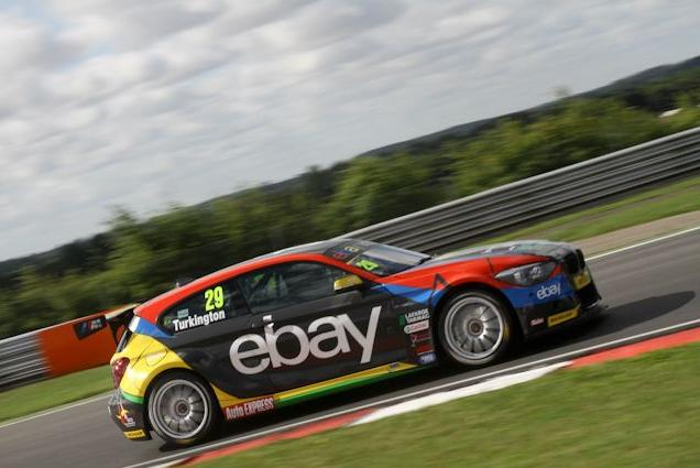 Contact with Shedden cost early leader Turkington (Photo: KAN Photography)