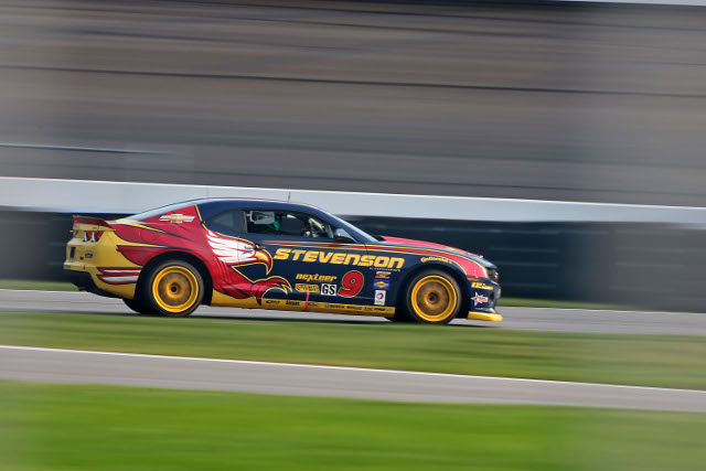 John Edwards stayued ahead of the pack in the final minutes of the race (Credit: Grand-Am)