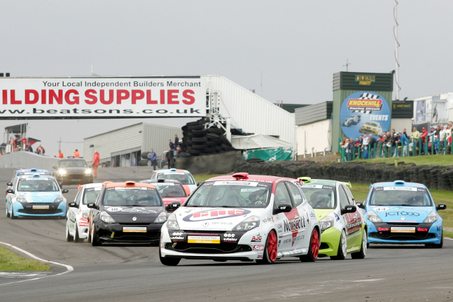 Clio Cup Knockhill - Credit: Jakob Ebrey Photography