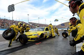Kenseth's day went from bad to worse after a poor pit stop (Credit: Jennifer Stewart/Getty Images)