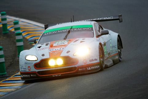 Aston fought on - in vain - chasing Le Mans victory (Credit: Alexandre Guillaumot)
