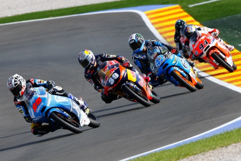 The Moto3 came down to the wire at Valencia (Credit: MotoGP)