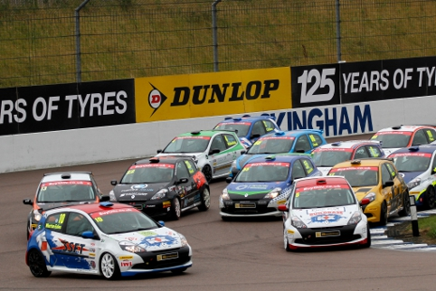 Whorton-Eales' outside move at Rockingham moved him to the lead on lap one (Credit: Jakob Ebrey Photography)