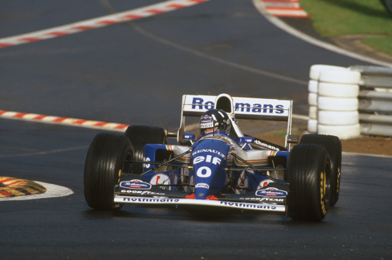 Damon Hill negotiates Eau Rouge, scene of of the year's many temporary chicanes (Credit: LAT Photographic/Williams F1)