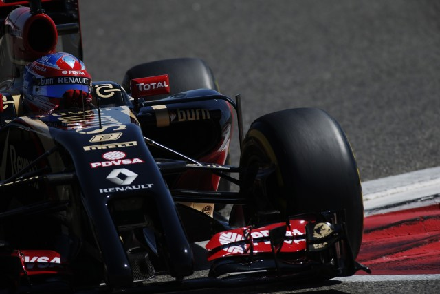 Renault teams have suffered torrid time in testing (Glenn Dunbar, LAT Photos)