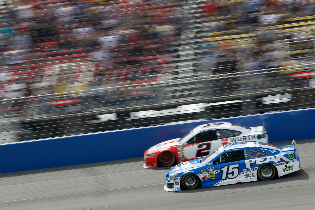 Brad Keselowski and Clint Bowyer - both would endure flat tyres (Credit: Brian Lawdermilk/NASCAR via Getty Images)
