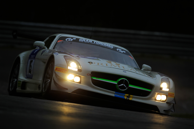 The fiirst of the two qualifying sessions for the race ran into the darkness (Credit: Kevin Mc Glone/Red Square Images)
