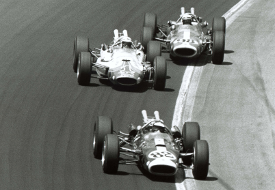 Clark leads Foyt and Jones in the early laps (Credit: Indycar Media)