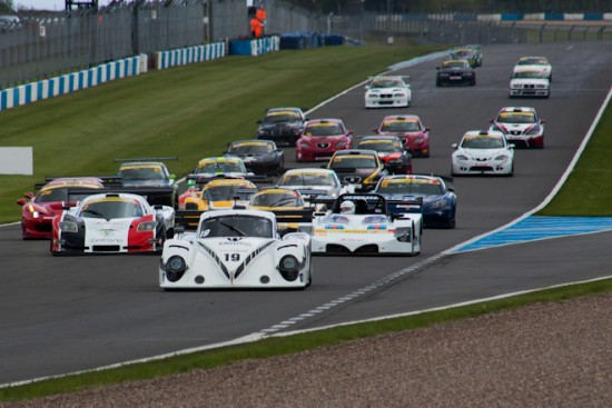 The Riley leads away from pole position (Credit: Nicholas Smith)