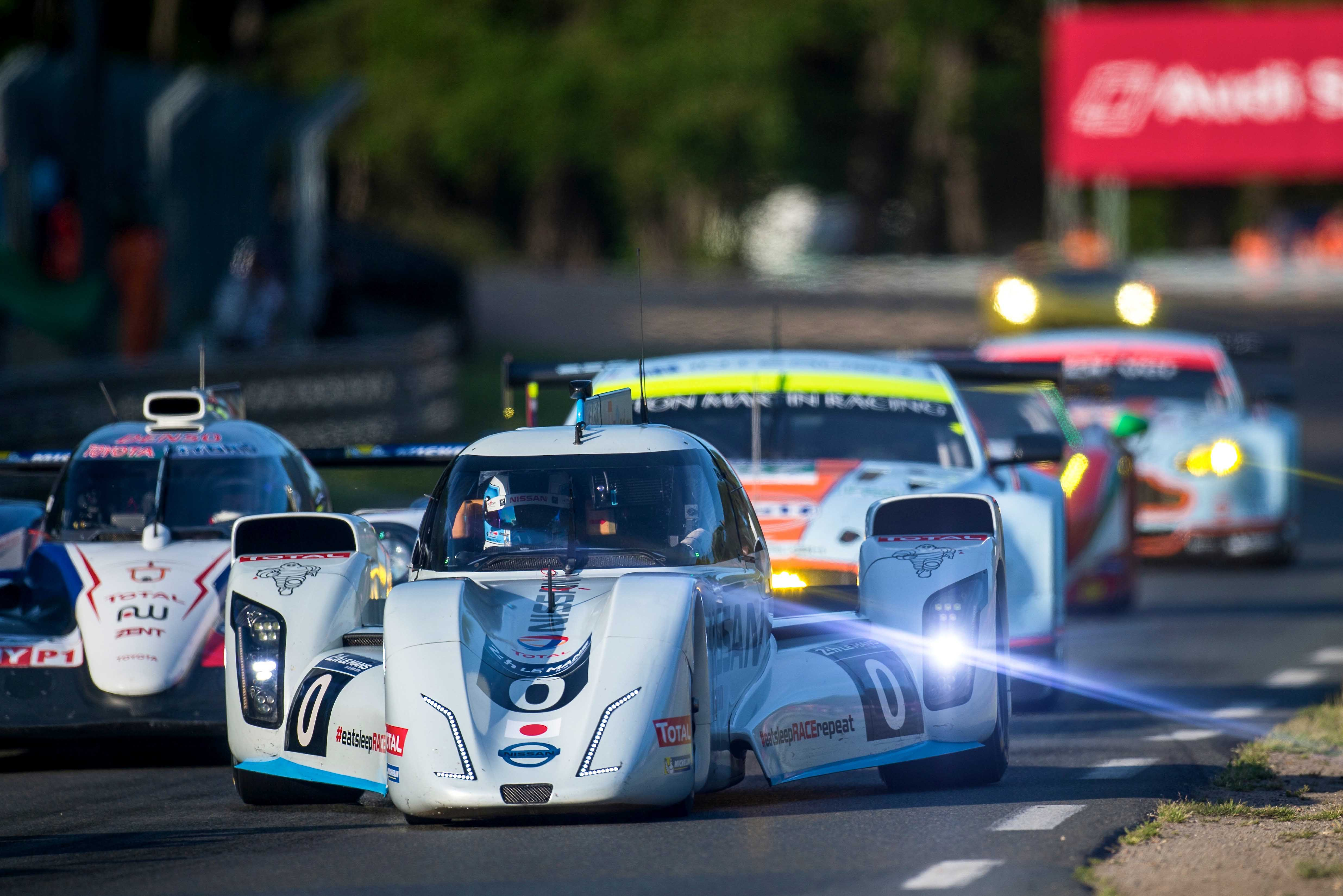 Nissan zeod rc reaches fully electric 300km h at le mans 24 hours of le mans the checkered flag - Garage volkswagen le mans ...