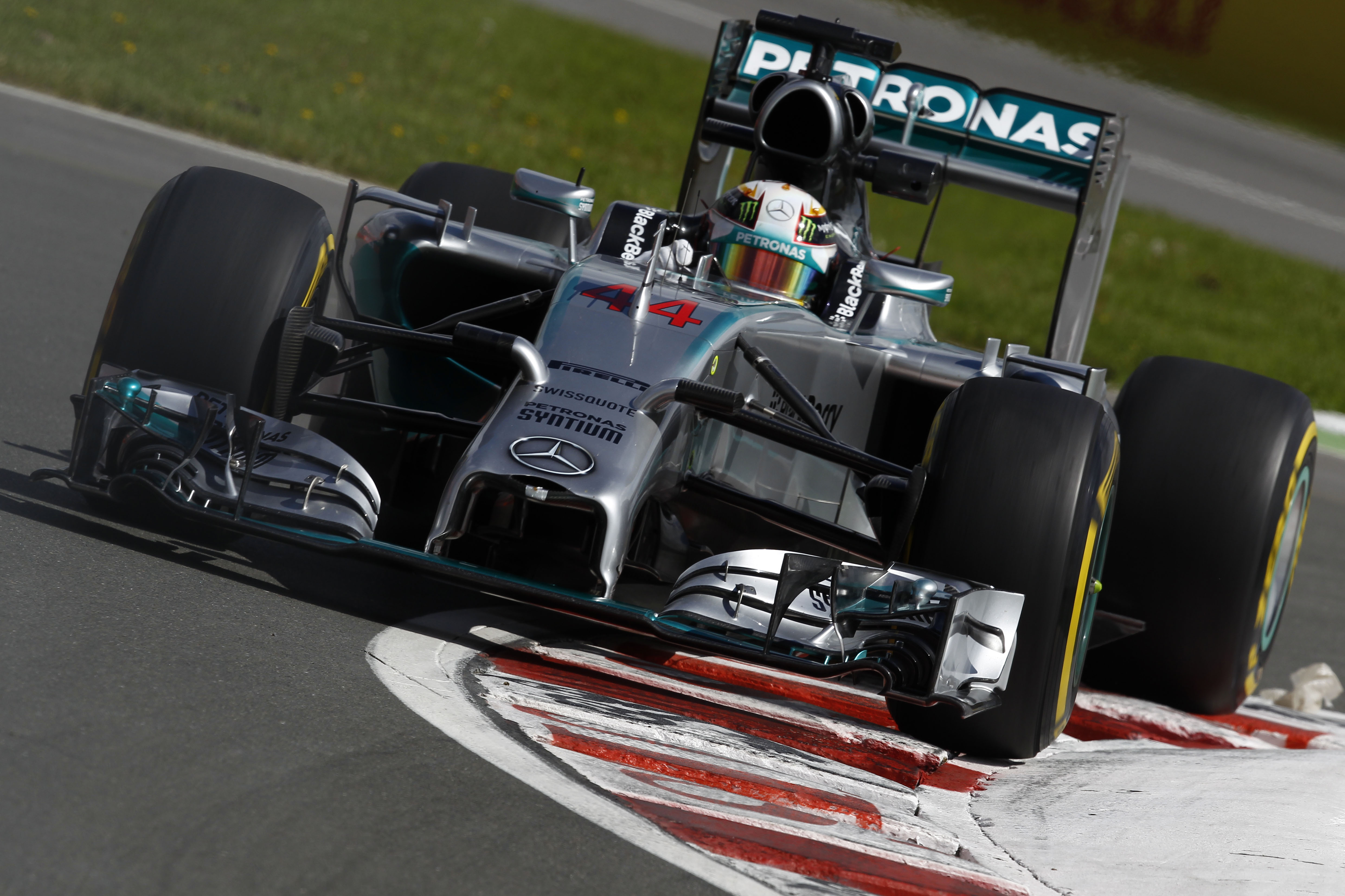 Hamilton strikes back in FP2 (Credit: Mercedes AMG Petronas)