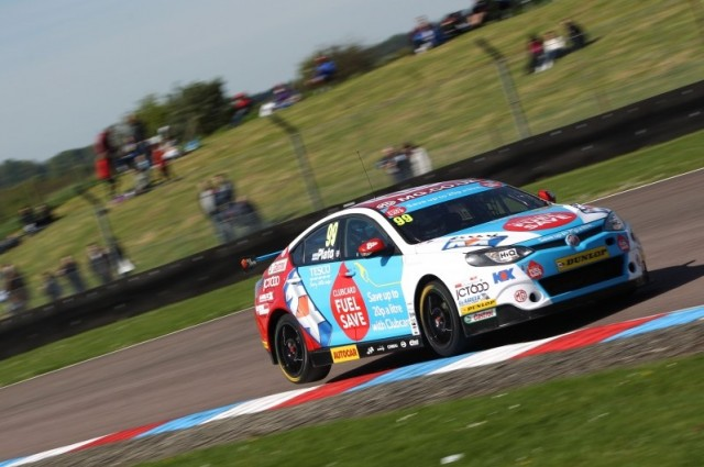 Plato and MG go well at Oulton Park (Photo: btcc.net)
