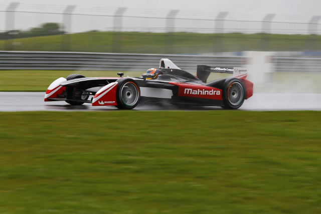 Mahindra Racing, Donington Park test (Credit: Mahindra Racing)