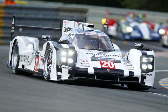 Brendon Hartley set the best time of a shortened session (Credit: Porsche AG)