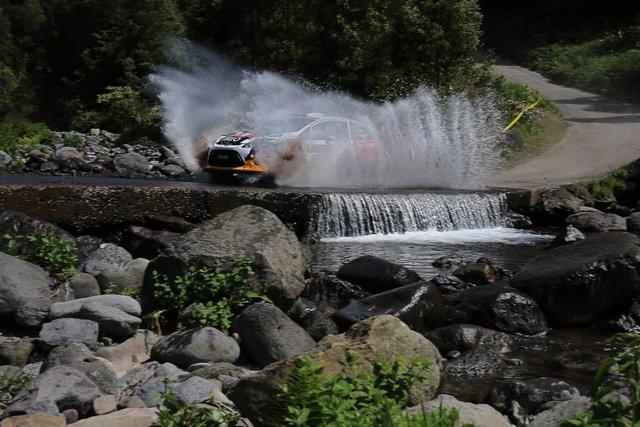 Splash and grab: Sousa takes hard fought victory (Photo credit: FIA ERC)