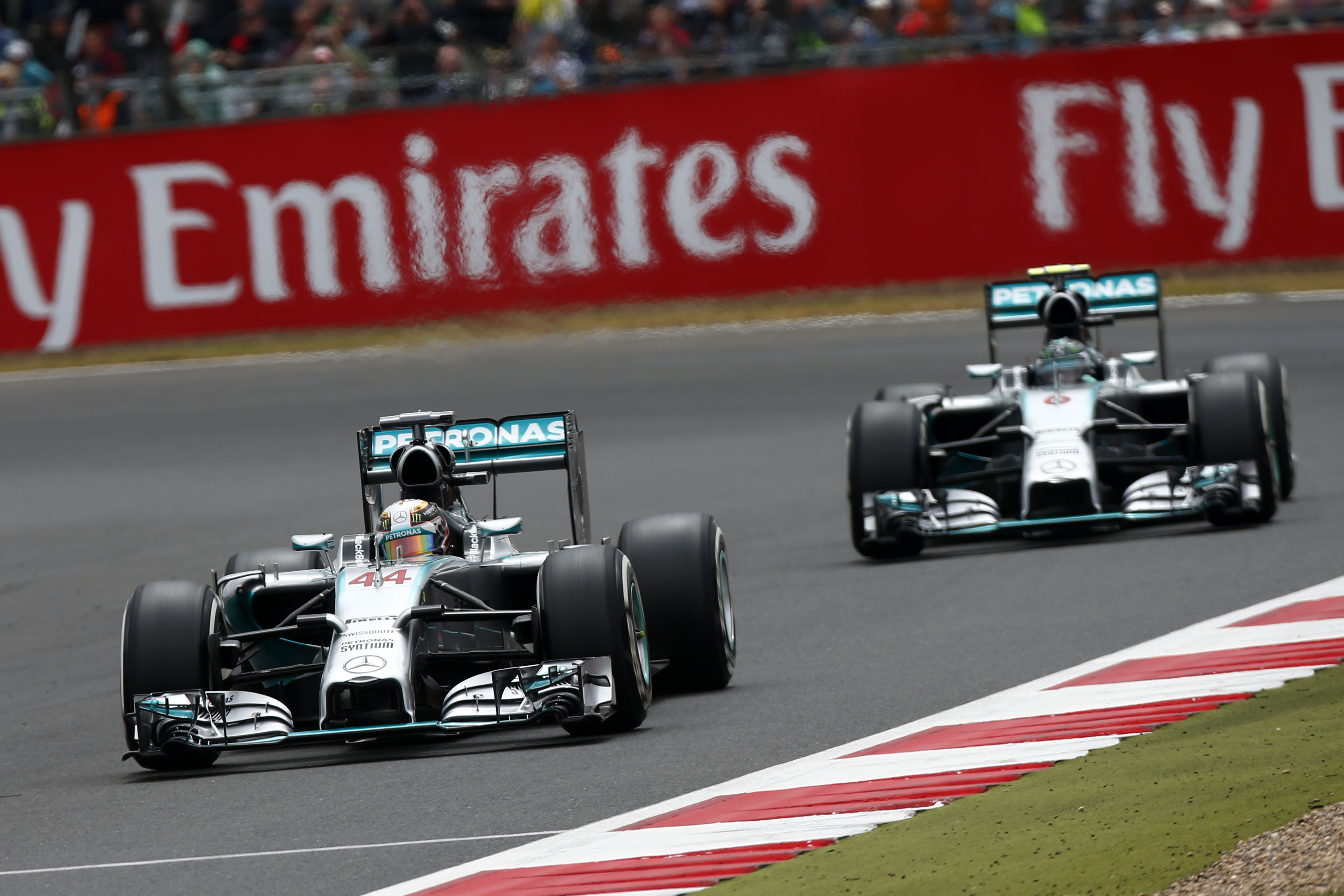 Hamilton wins british grand prix as rosberg retires