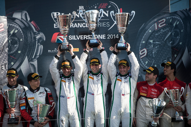 Smith, Meyrick and Kane told TCF the story of their historic win (Credit: Brecht Decancq/Brecht Decancq Photography)