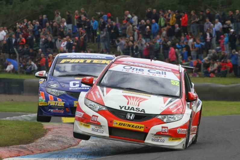 Shedden survived an incident with Jordan also in race one (Photo: btcc.net)