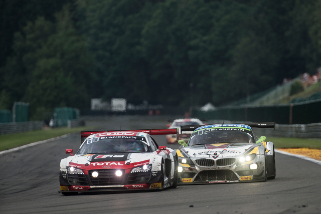 The Audi and BMW teams fought wheel-to-wheel late in the race (Credit: Brecht Decancq/Brecht Decancq Photography)