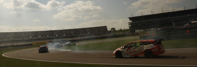 Depper edged Matt Neal in race two scrap (Photo: btcc.net)