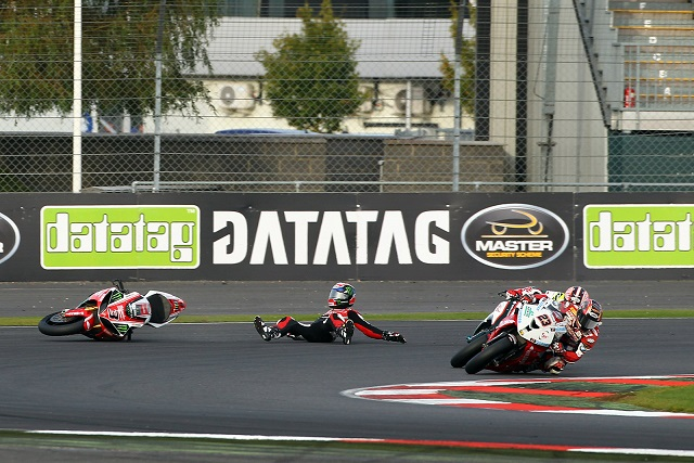 Brookes came unstuck in the second race (Photo Credit: BritishSuperbike.com)