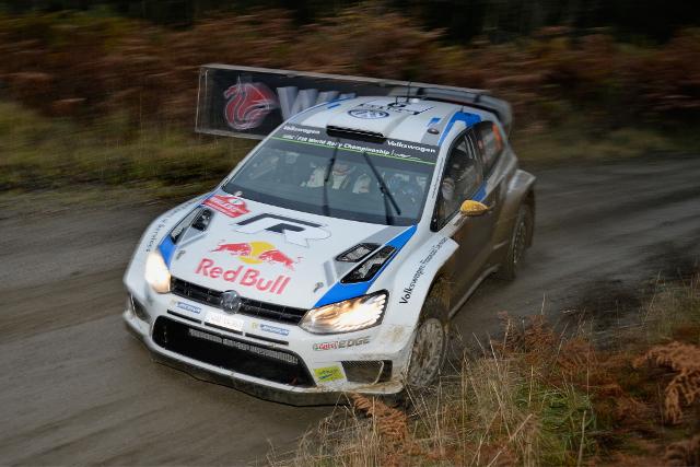 Andreas Mikkelsen, Wales Rally GB 2014 (Image: Volkswagen Motorsport)