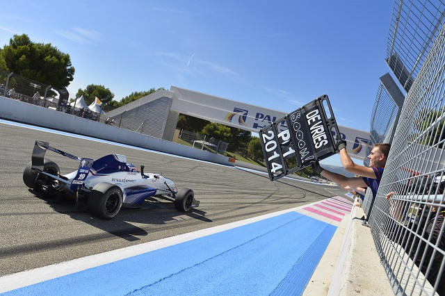 Nyck de Vries took the chequered flag first on five occasions during 2014 (Credit: Vincent Curutchet /DPPI)
