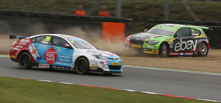 This Clash Sparked A Classic British Touring Car Race At Brands Hatch - Credit btcc net