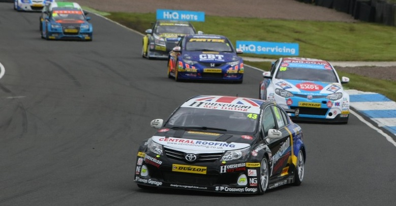 The Toyota's former man, Wood, will mentor Lines in 2015 (Photo: btcc.net)