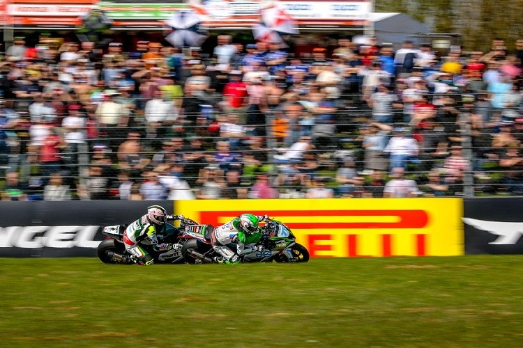 After the excitement of Donington Park, expect more of the same at Brands Hatch (Credit: MCE British Superbike Championship)