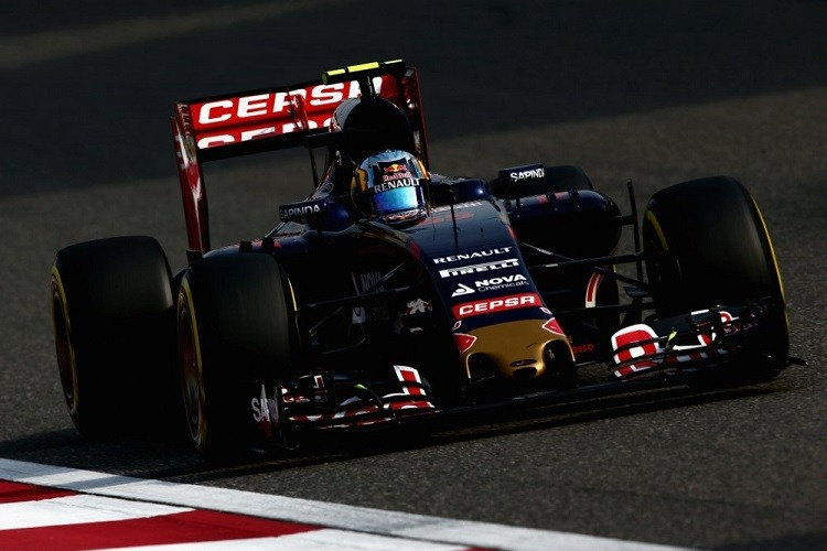 Carlos Sainz suffered a spin and gearbox gremlins in China (Credit: Clive Mason/Getty Images)
