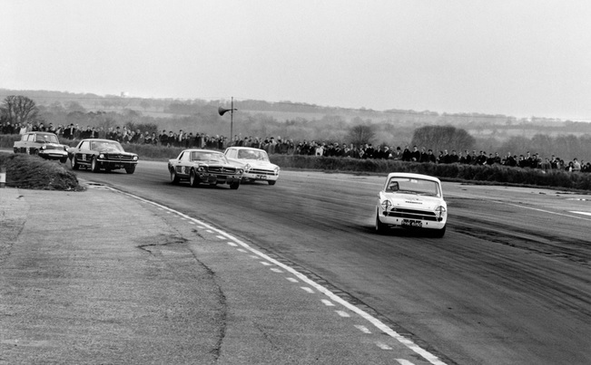 Jim Clark's beauty at work in the Lotus Cortina - Photo: btcc.net