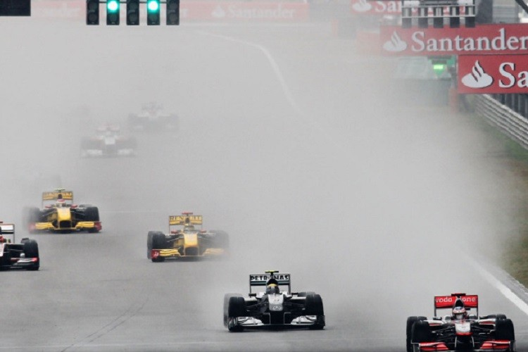 The rain gradually worsened throughout the Grand Prix (Credit: Paul Gilham/Getty Images)