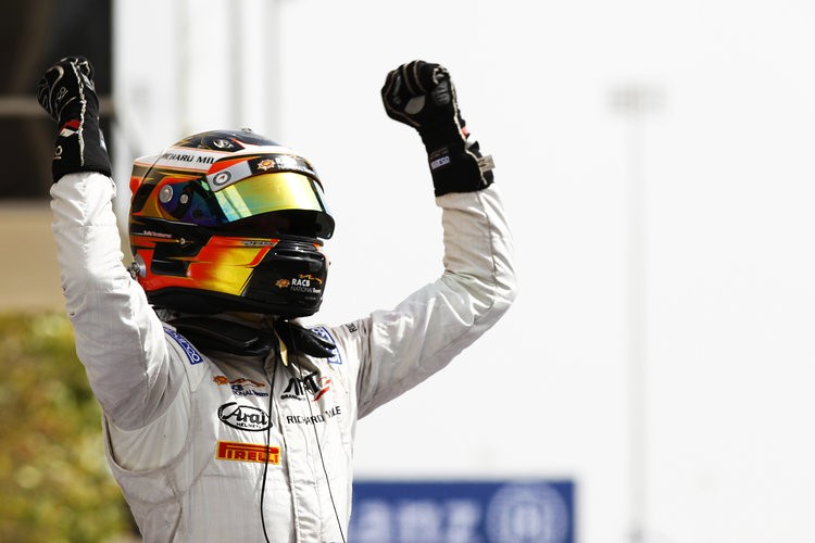 Vandoorne, unstoppable in Bahrain. (Credit: Sam Bloxham/GP2 Media Service)