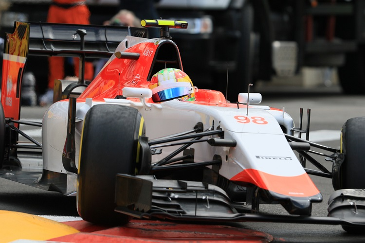 Roberto Merhi finally finished ahead of team-mate Will Stevens in 2015 (Credit: Octane Photographic Ltd)
