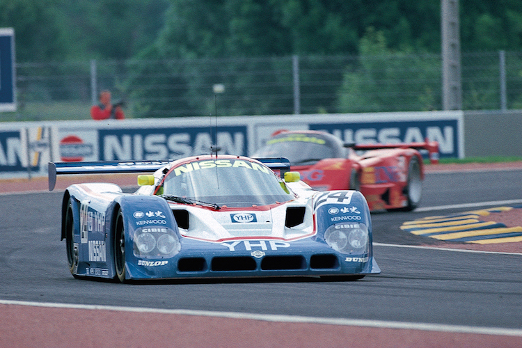 The Nissan R90CK racing at Le Mans in 1990.
