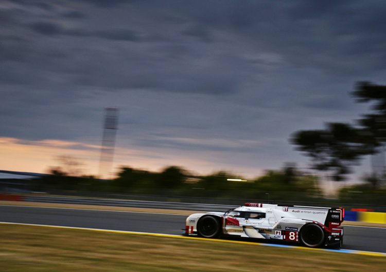 The #8 Audi R18 e-tron Quattro proved it was well built. (Credit: Audi AG)