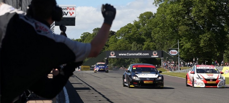 Plato clinched a double win - narrowly - at Oulton Park to steal series lead - Photo: btcc.net