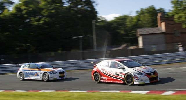 Neals oil-aided slip allowed Tordoffs BMW to pounce - Photo: btcc.net