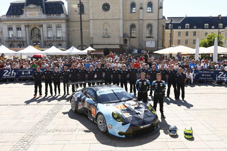 The #77 Porsche 911 RSR of Dempsey Proton Racing. (Credit: Porsche AG)