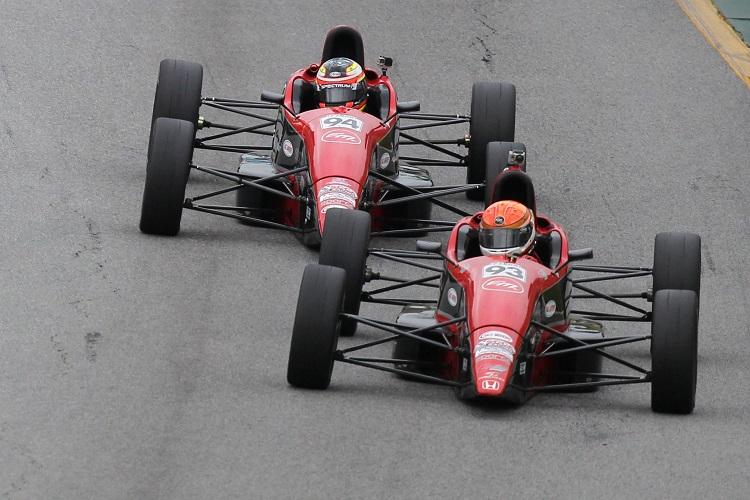#93 Thomas McGregor leading #94 Scott Andrews (Credit: Exclusive Autosport)