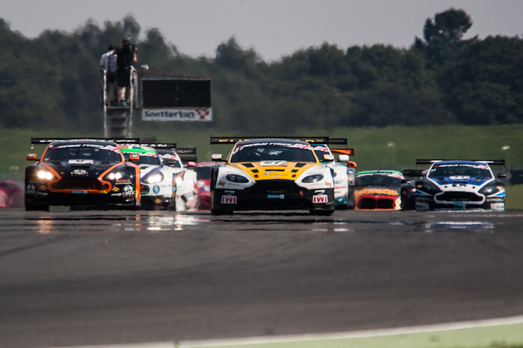 The start was intense as the Aston Martins made their way to the front (Credit: Nick Smith/TheImageTeam.com)