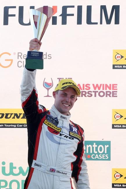 Mike Bushell 2015 Snetterton podium