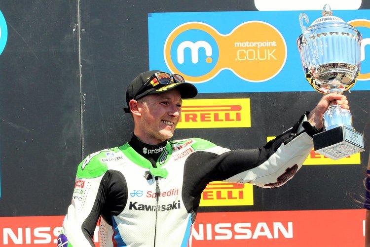rsz_debut-podium