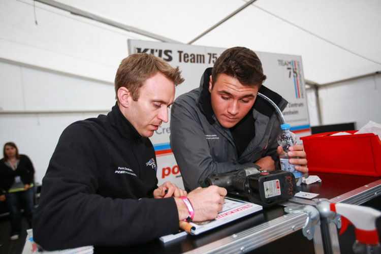 Massot and and team boss Timo Bernhard - Photo credit: Gruppe C GmbH