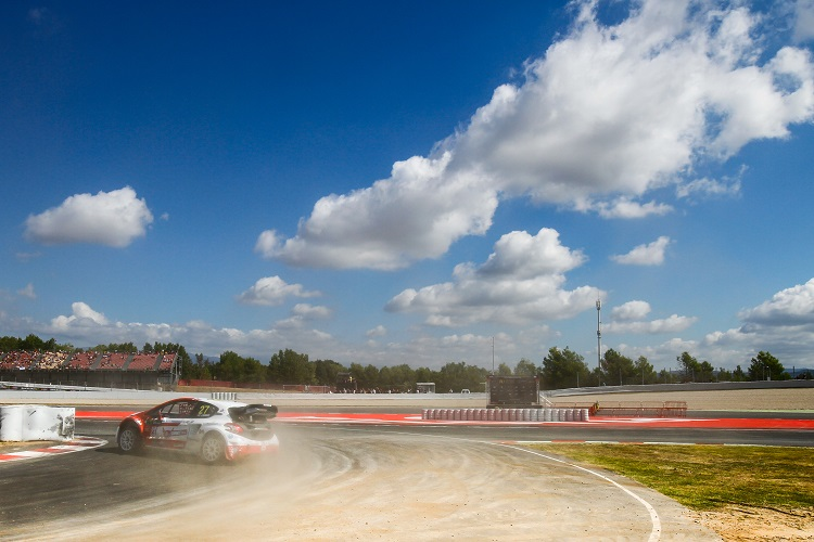 James Grint in action in Spain (Credit: FIA World Rallycross Championship)