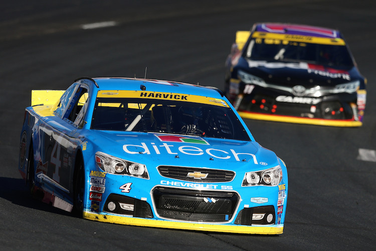 Kevin Harvick looked set for a strong finish, until he ran out of fuel (Credit: Vaughn Ridley/Getty Images/NASCAR)