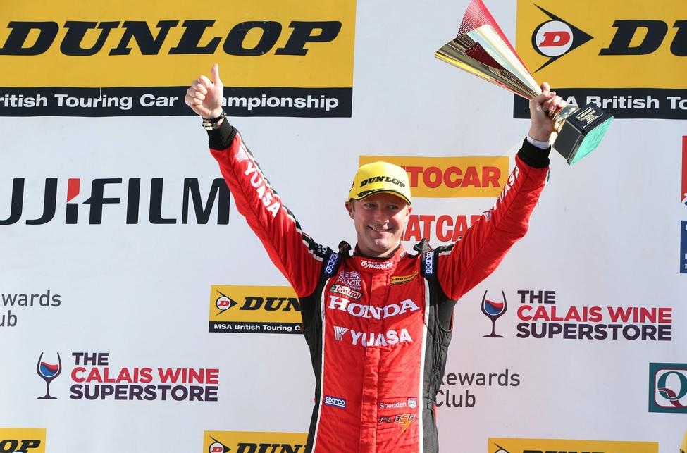 Shedden podium Silverstone 2015 2