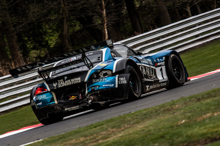 Damage at Oulton Park is just one of the incidents which has kept the super quick BMW of Attard from securing the title already. (Credit: Nick Smith/TheImageTeam.com)